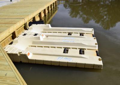 boat-launch-lacoosa-marina-10