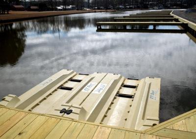 boat-launch-lacoosa-marina-8